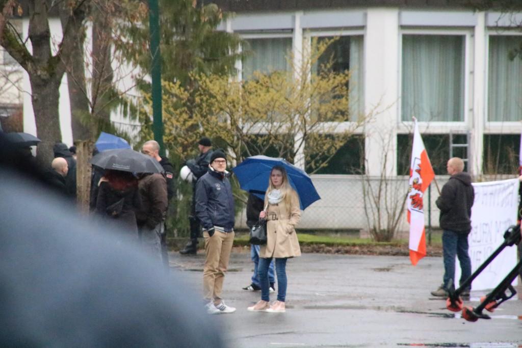 Jan Philipp Jaenecke (mitte) auf der Nazikundgebung am 01.04.2016 in Bad Lauterberg